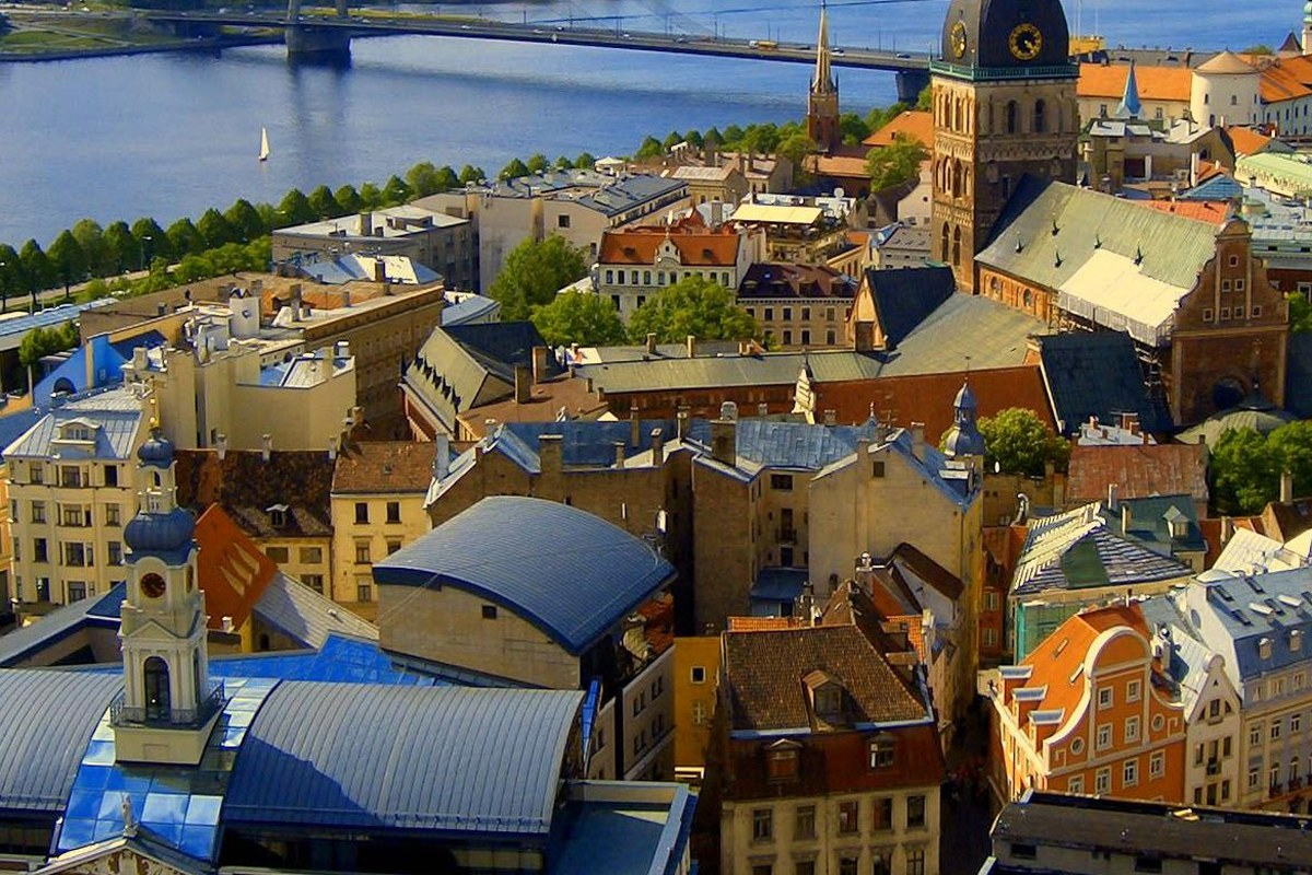 Riga incentive topper!